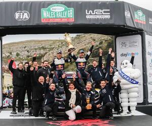 Site5132-podium-wales18