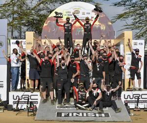 Site4123-podium-safari21