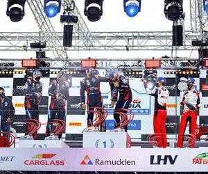 Site5131-podium-estonie20-jarekjoepera